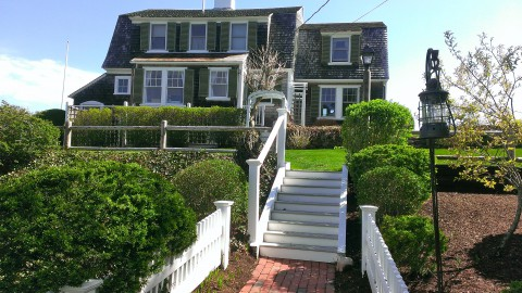 Cape Cod Vacation Rental vs Bed and Breakfast